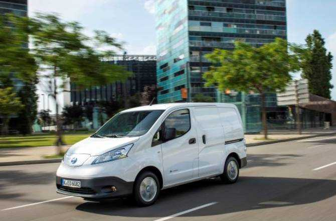 Nissan e-NV200 Triumphs At The What Van? Awards