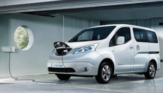 e-NV200 combi on charge in a garage