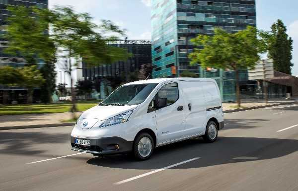 e-NV200 on the move