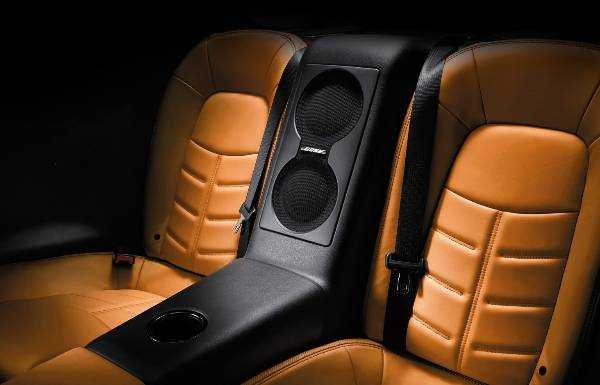GT-R-LUXURY INTERIOR-BOSE-SOUND-SYSTEM
