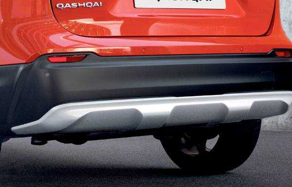 nissan qashqai n-motion chrome rear trim