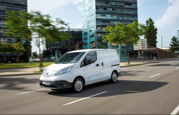 Nissan e-NV200 wins Zero Emission LCV of the Year at Commercial Fleet Awards 2019