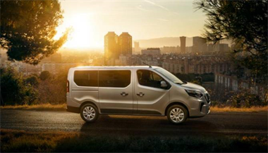 Nissan upgrades the NV300 Combi with sharper look and feel, enhanced powertrain and new safety technologies